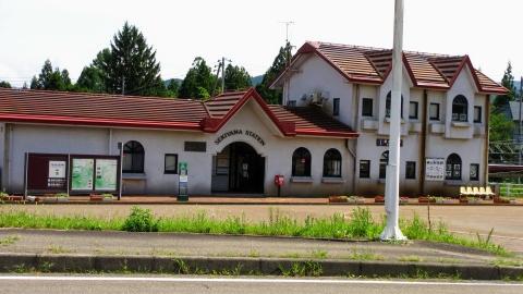 越後トキめき鉄道 関山駅、帰りはこれに乗って輪行です。