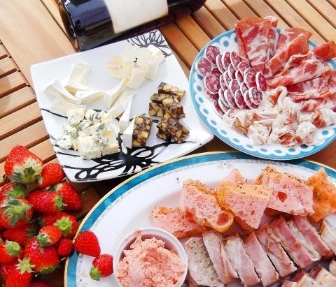 春のイベントにぴったり【グルメソムリエ】の美味しい生ハム!!肉の日感謝デー開催中です