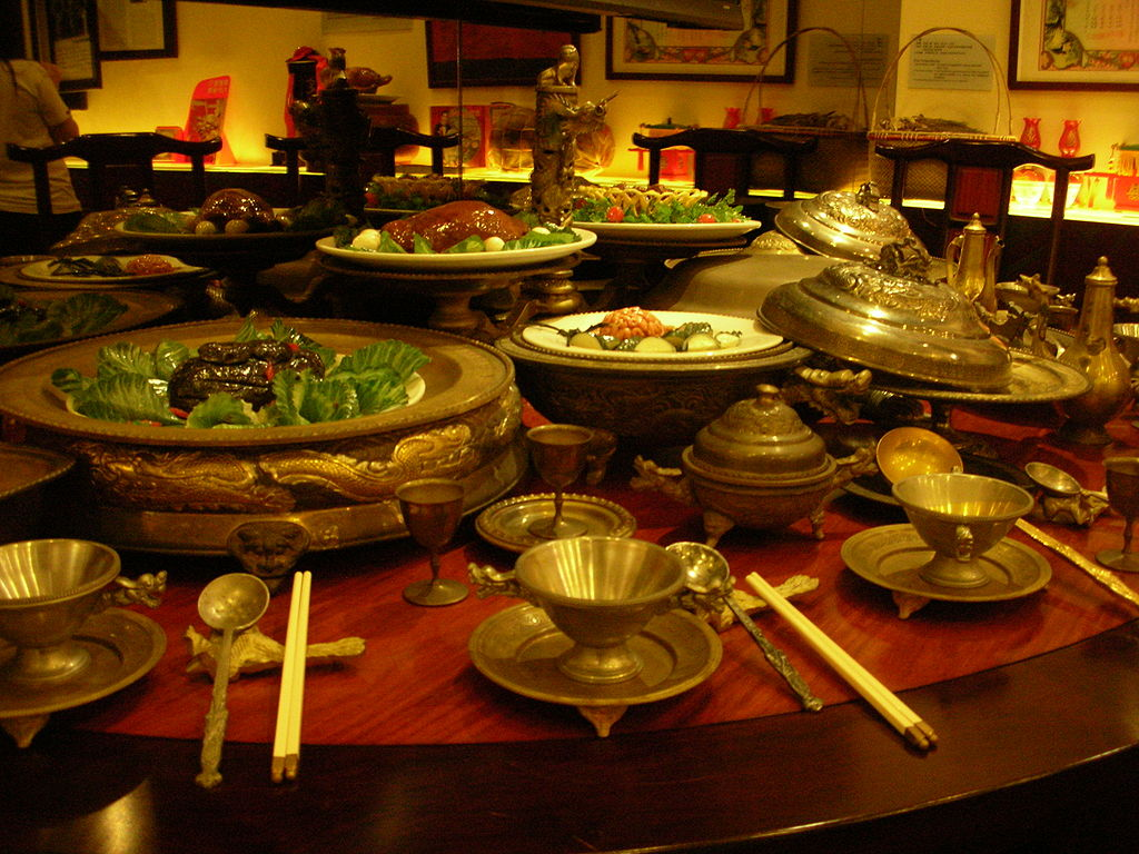 1024px-Manchu_Han_Imperial_Feast_Tao_Heung_Museum_of_Food_Culture.jpg