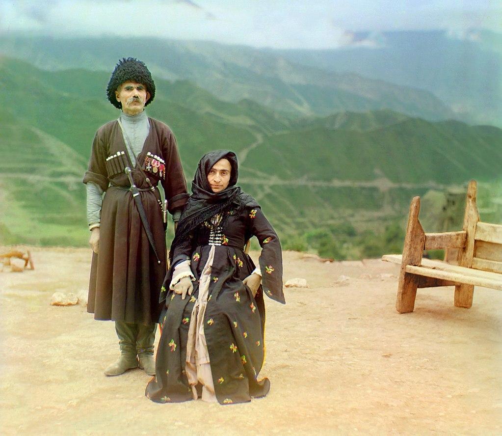 コーカサスの伝統的な民族衣装