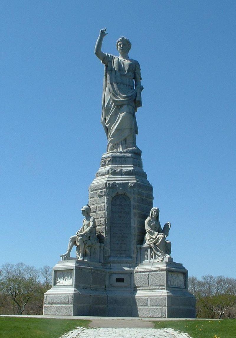 清教徒上陸記念像(プリマス ,マサチューセッツ州)