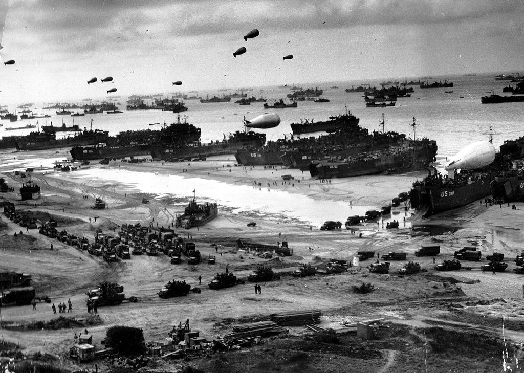 連合軍の揚陸風景(1944年)