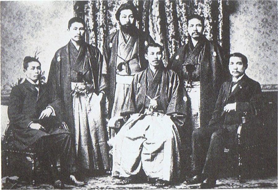 中国同盟会、前列右端が孫文、後列中央が宮崎滔天(1890年)