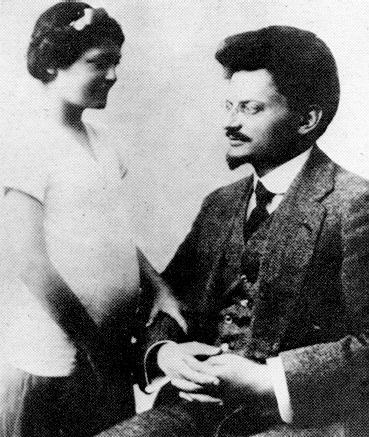 トロツキー。娘のニーナと。(1915年)