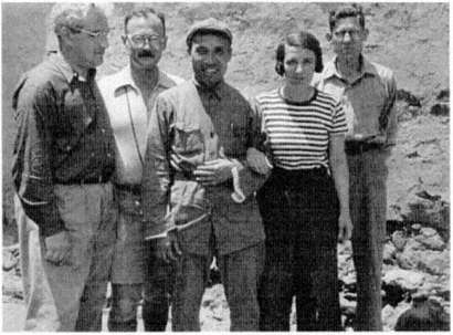 右端がトーマス・アーサー・ビッソン(1937年)