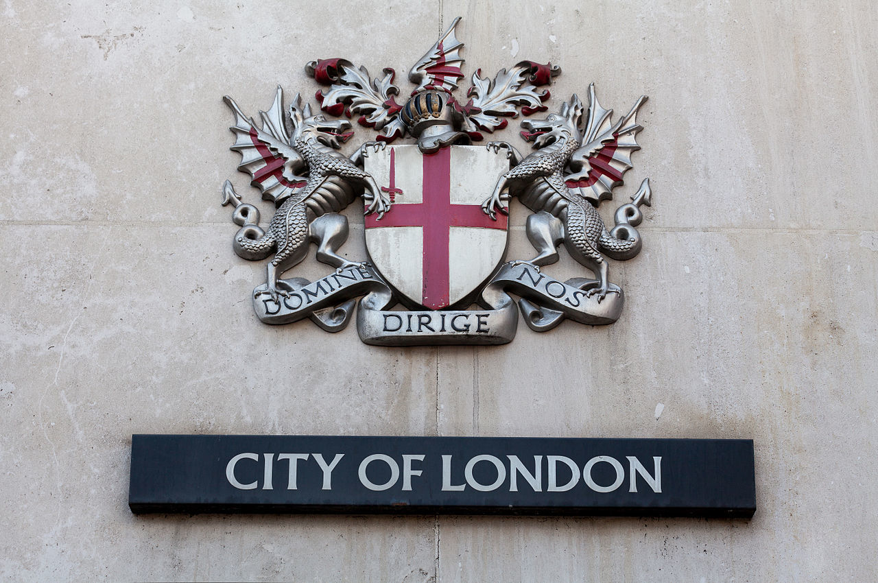 1280px-Coats_of_arms_of_the_City_of_London_Corporation,_London,_England,_IMG_5208_edit