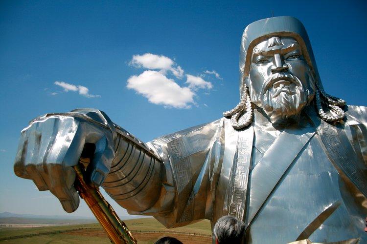モンゴル人が失ったのは、植民地でしかなかった「支那」だけです