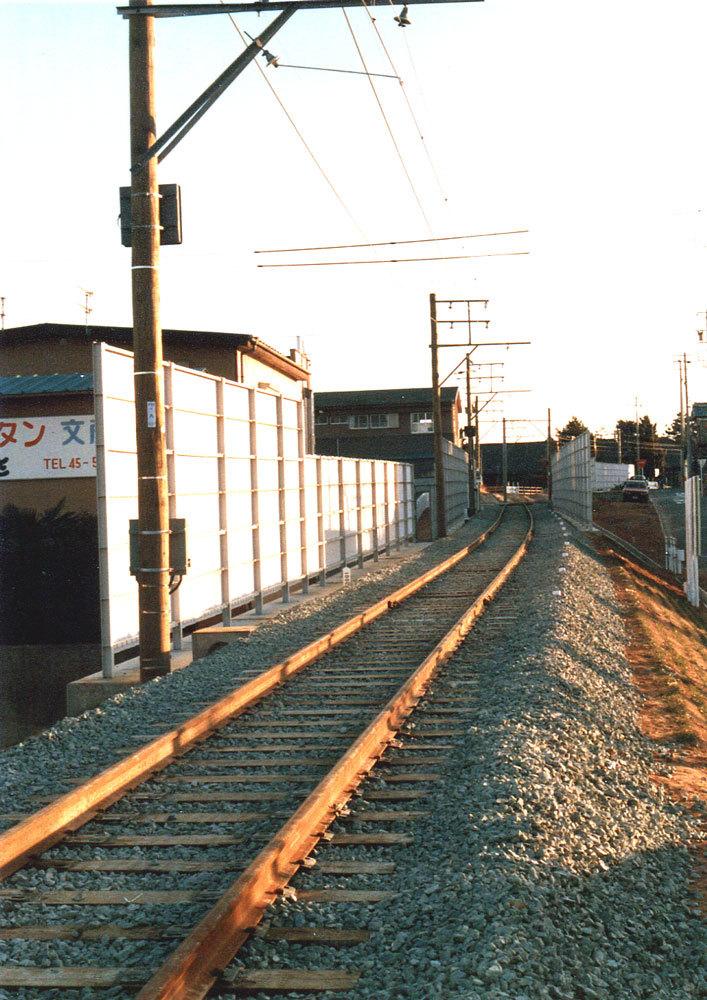 850117-1.jpg