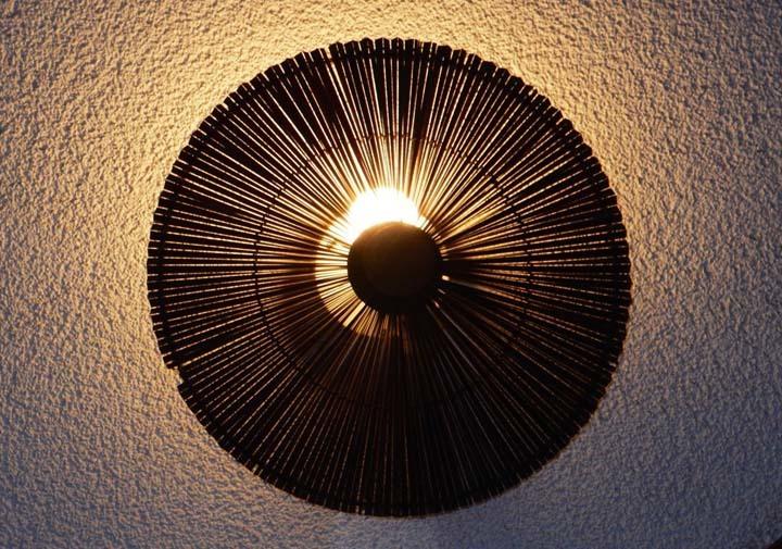 03_上田久和3_白壁の照明