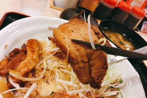 松屋豚角煮丼 (4)