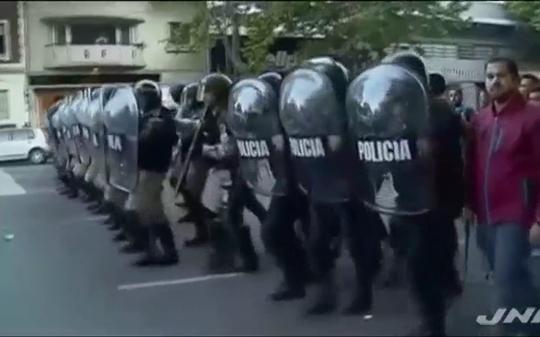 ⑪フランス燃料税UPや【徴兵制の復活】で暴動!アルゼンチンサッカーで暴動!