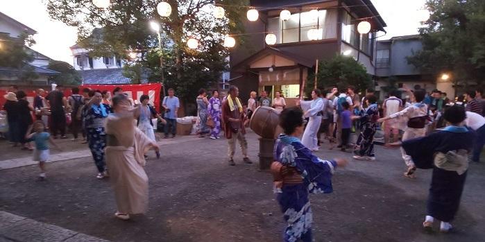 宵宮の盆踊り