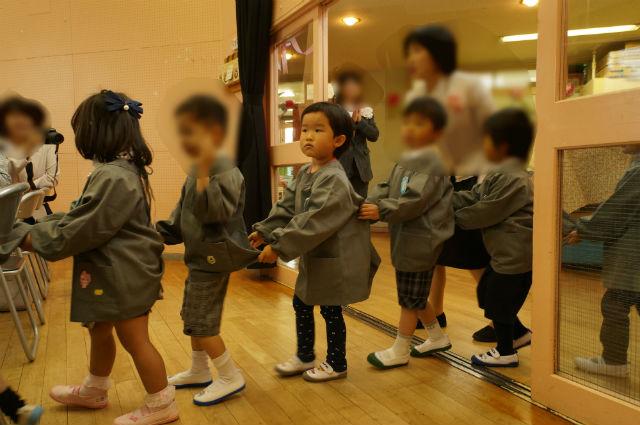娘、日野市立の幼稚園に入る