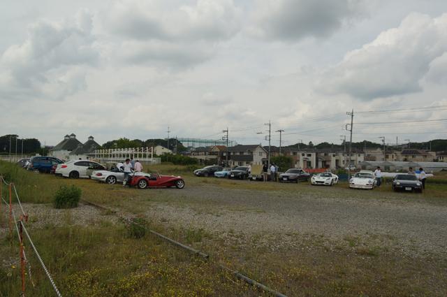 日野にある車会社の自動車部のミーティング