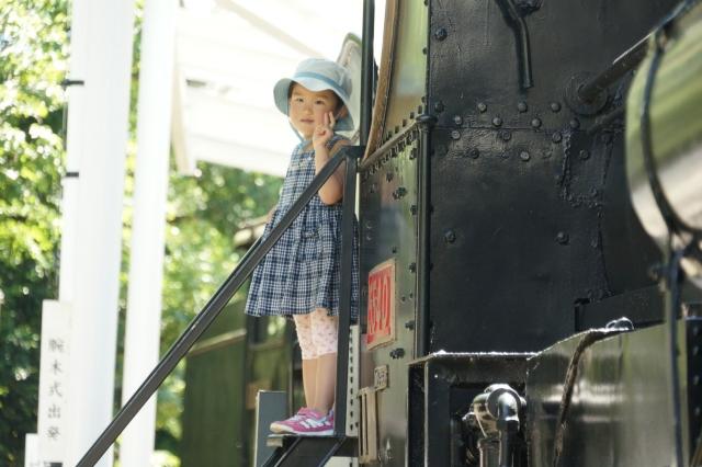 青梅鉄道公園のピーコックと娘