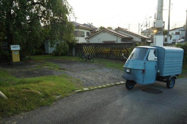 福生の町角で見かけた古い給油機