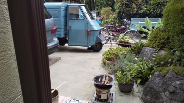我が家の家族との車、プレマシーとピアジオとモペッド