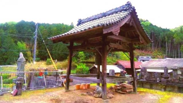 松樹寺の鐘楼
