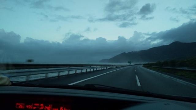東名 駿河湾を見ながら
