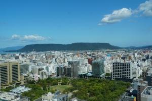 県庁東を見る
