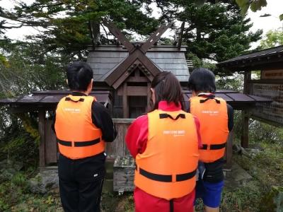 島の神社をお参り1