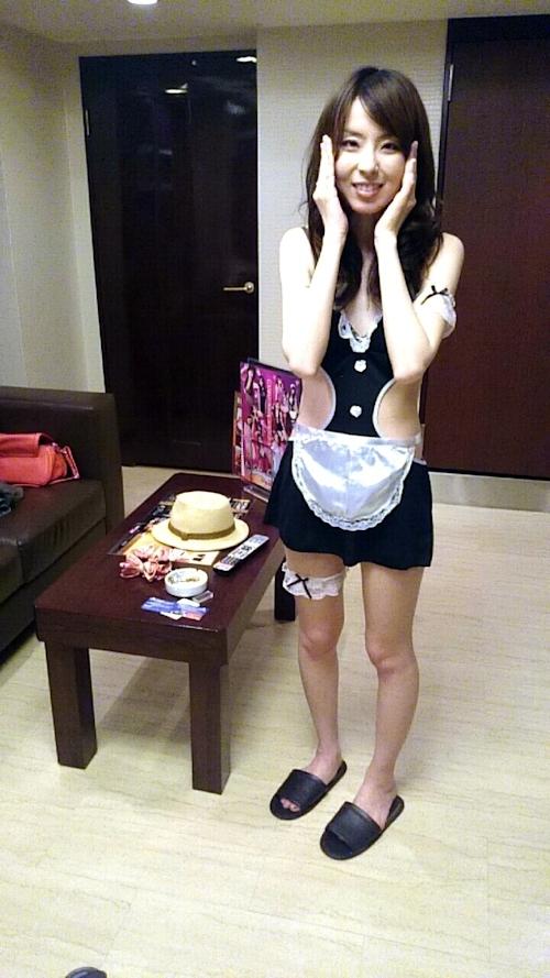 スレンダーな素人女性をホテルで撮影したヌード画像 1
