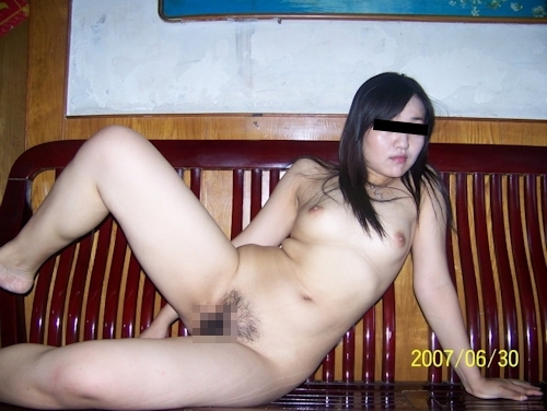 素人美人妻のプライベートヌード画像 2