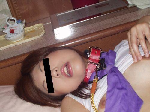 微乳な素人女性のプライベートヌード画像 2