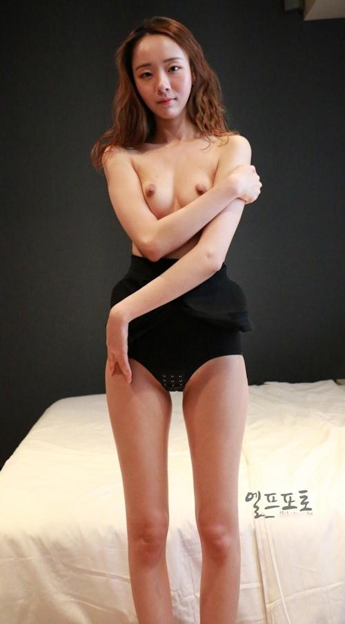 韓国美女モデルのヌード画像 2
