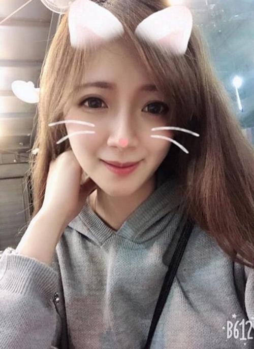 ネコ耳美少女の自分撮りヌード画像 1