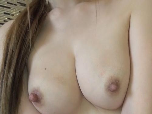 茶髪なパイパン美女のヌード画像 5