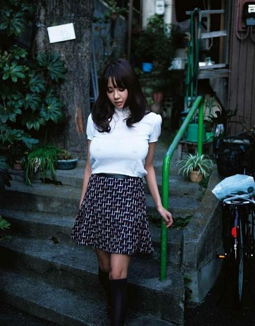Jカップ爆乳美女 RION(リオン) セクシーヌード画像 1