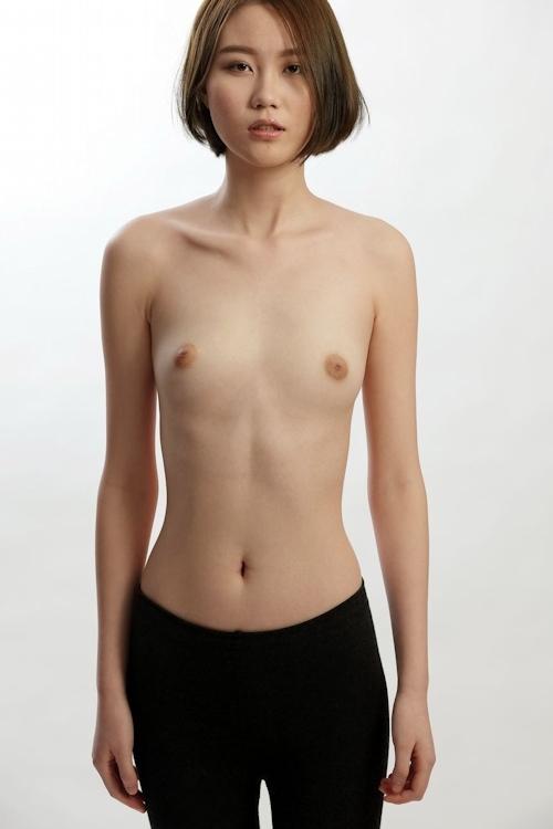 中国スレンダー美女モデルのヌード画像 2