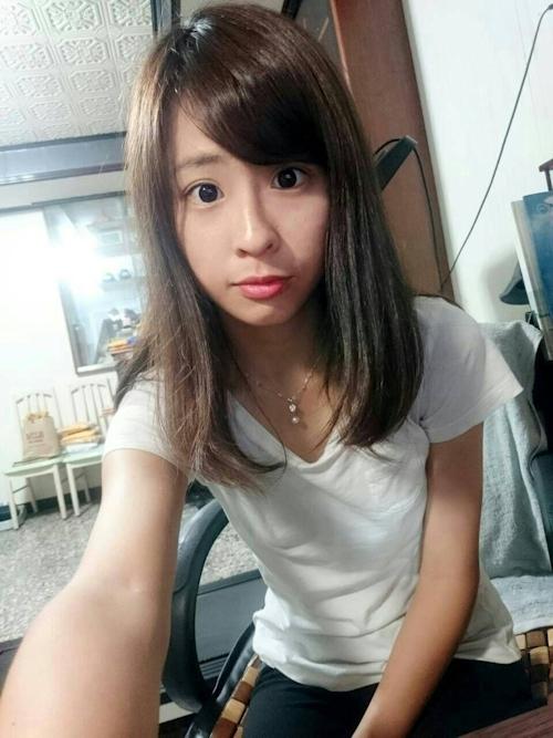 台湾美少女自分撮りヌード流出画像 3