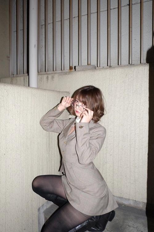 スーツ美女のセクシーパンスト画像 1