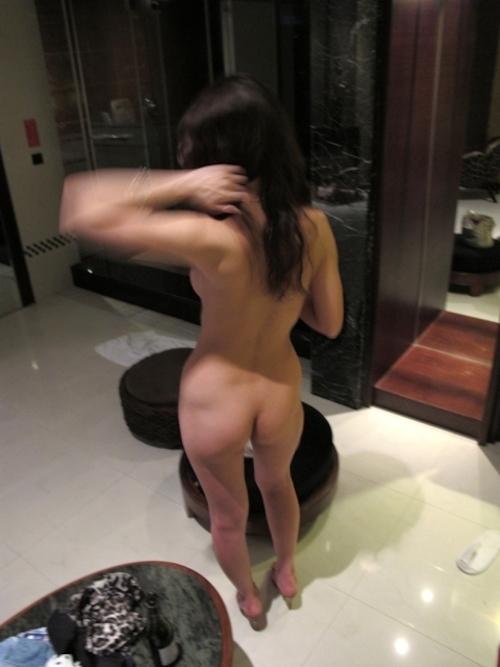 ホテルで撮影した美人妻のヌード画像 6