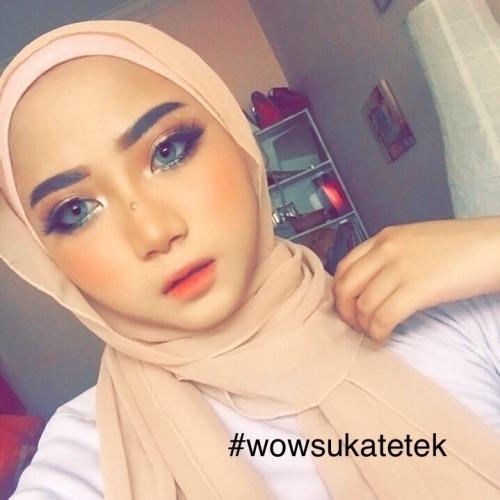オシャレ系なマレーシアの巨乳素人美女の自分撮りヌード流出画像 4
