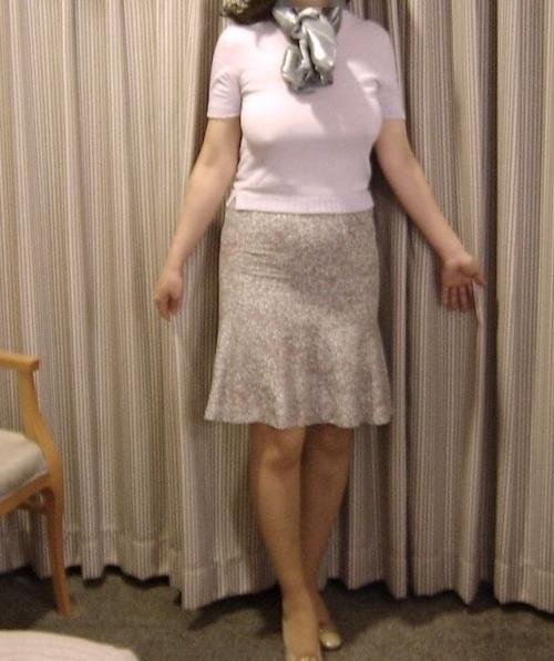 巨乳な熟女をホテルで撮影したヌード画像 1