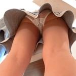 セレブ風素人女性のパンティ盗撮画像