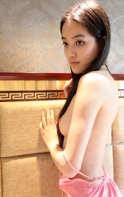 中国スレンダー美女モデルの個人撮影ヌード画像 3