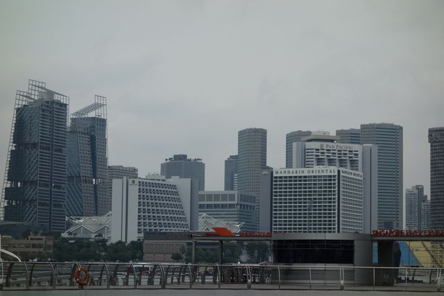 高層ビル群2.jpg
