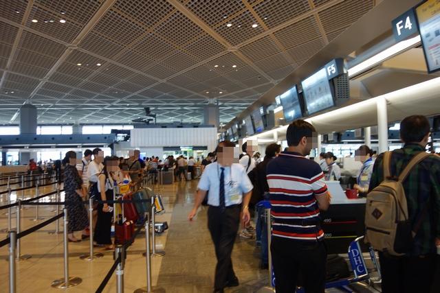 成田空港タイ航空チェックイン エコノミー.jpg