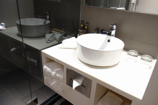ノボテル バンコク 洗面所.jpg