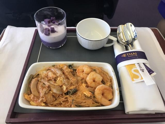 タイ航空 TG215ロイヤルシルククラス食事大人.jpg