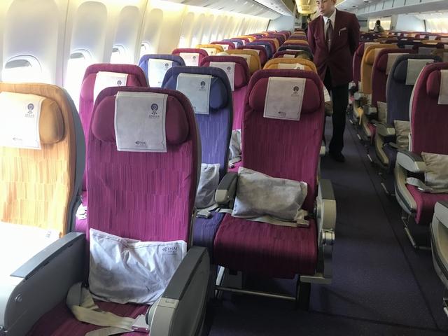 タイ航空 TG215ロエコノミークラス座席1.jpg