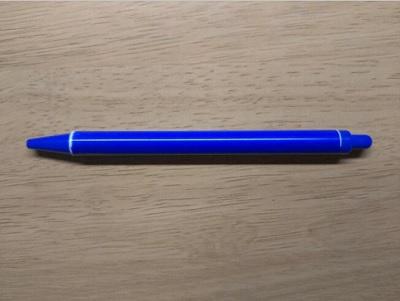 青いボールペン