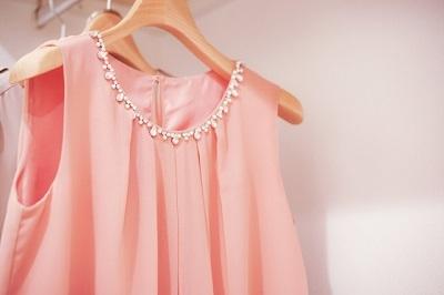 ピンクのパーティドレス