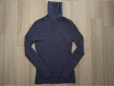 首が苦しいセーター