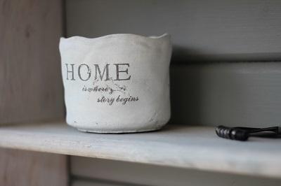 器 homeの文字