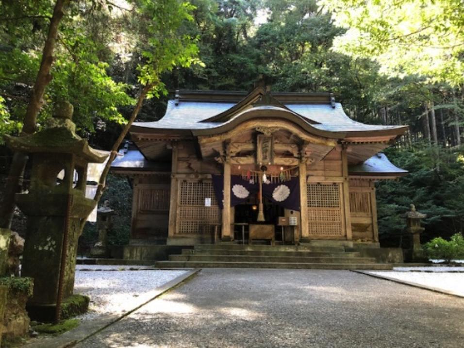 二上神社社殿
